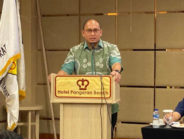 Andre Rosiade saat memberikan kata sambutan pada sebuah acara yang digelar di Hotel Pangeran Beach Padang bebetapa waktu lalu.