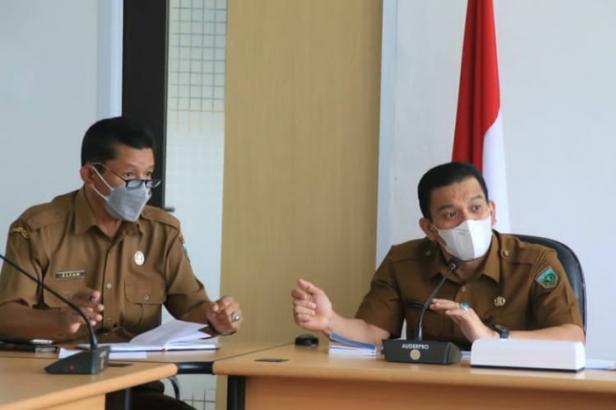 Sekda Sonny Budaya Putra gelar rapat koordinasi evaluasi penanganan covid di Kota Padang Panjang