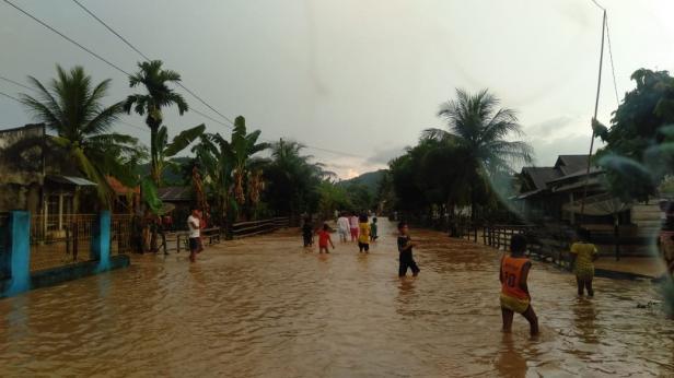 Kondisi Rahul Tapan Pessel saat dilanda banjir