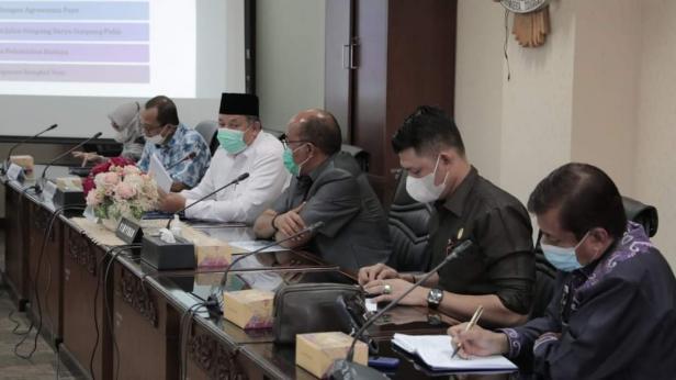 Wako Solok, H. Zul Elfian melakukan audiensi dengan Ketua dan anggota DPRD Sumbar DapilVII