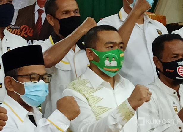 Kiri, Ketua DPD PKS Pasaman Barat Fajri Yustian bersama Calon Wakil Gubernur Sumatera Barat Audy Joinaldi