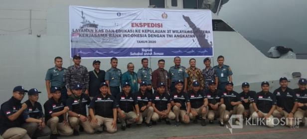Tim Ekspedisi BI Sumbar dan Tim TNI AL
