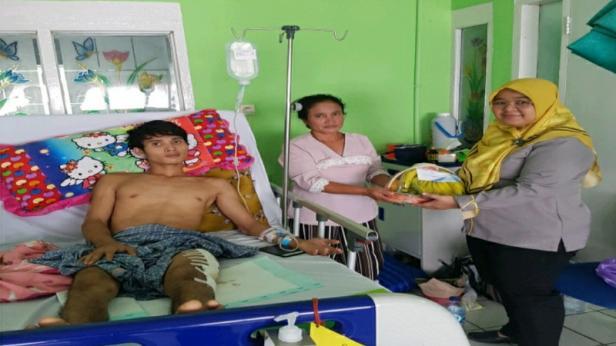 Korban kecelakaan kerja dikunjungi pihak BPJS Ketenagakerjaan Cabang Padang