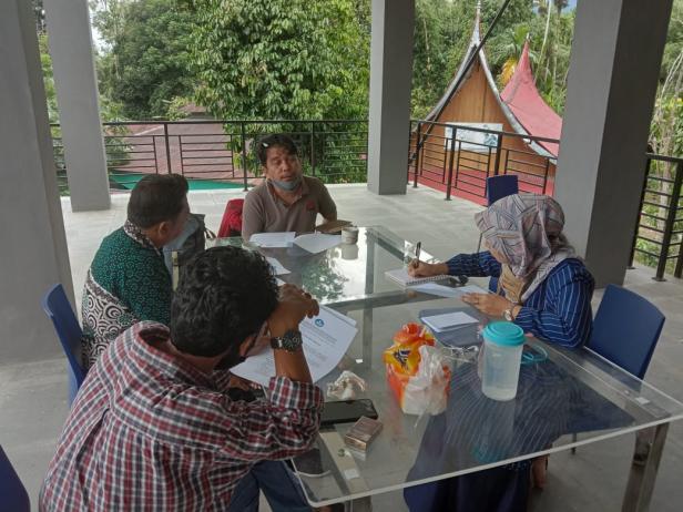 Panitia dan Juri mengdakan rapat memformulasikan lomba di BPNB Sumatra Barat Belimbing Kuranji, beberapa waktu lalu.