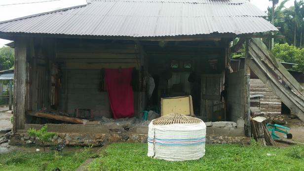 Kondisi rumah Siat setelah rubuh akibat angin kencang