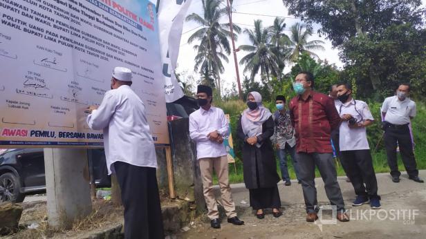 Launching Nagari Koto Tinggi Kecamatan Gunung Omeh sebagai nagari awas dan anti politik uang, Rabu (25/11).