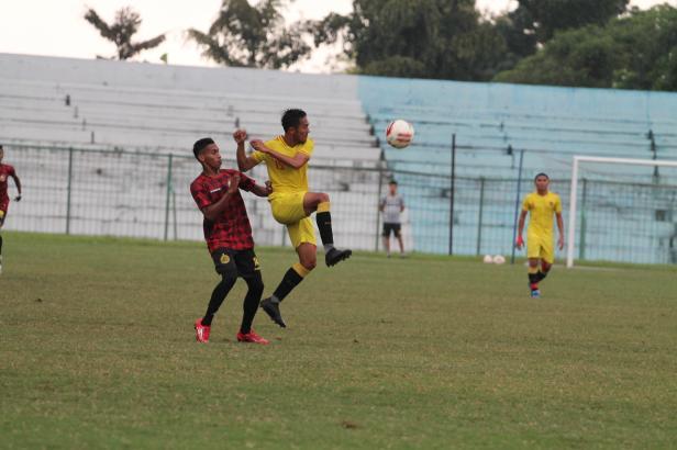 Laga Uji Coba Semen Padang FC Lawan Badak Lampung FC di Stadion Mini Cibinong, Bogor