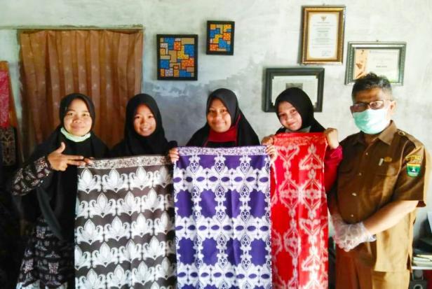 Produk kain batik karya Mimi Batik, Kota Solok