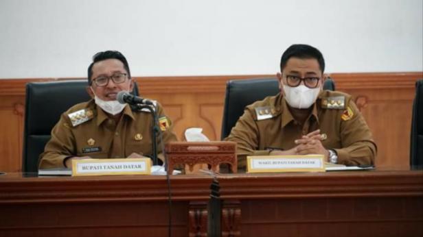 Bupati Eka dan Wabup Richi memimpin rapat evaluasi anggaran