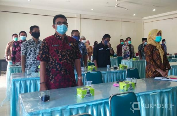 Suasana ASN di Pasaman Barat saat mengikrarkan kenetralan diri di Hotel Guchi Simpang Empat