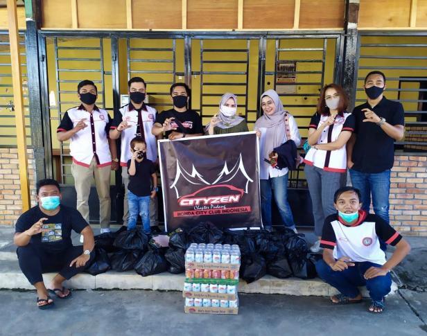 Komunitas Cityzen Chapter Padang salurkan bantuan pada masyarakat Kota Padang yang terdampak COVID-19