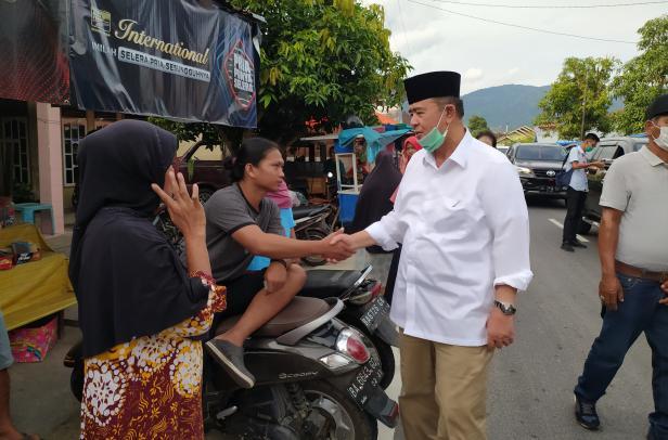 Calon Gubernur Sumbar Nasrul Abit saat safari politik di Bayang, Kabupaten Pesisir Selatan, Rabu, 28 Oktober 2020