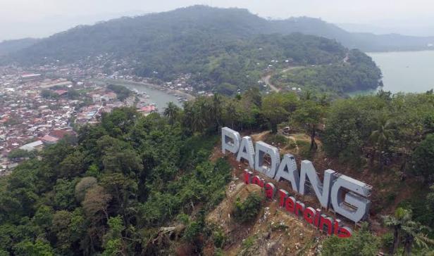 Landmark Padang Kota Tercinta