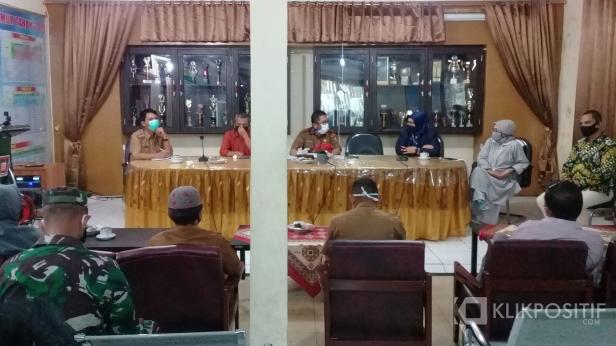 Rapat kooedinasi pemko dengan lurah di Kecamatan Padang Timur pada Senin, 13 April 2020