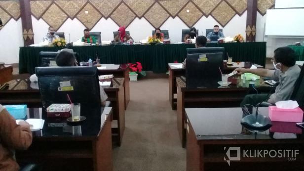 Rapat DPRD dengan OPD terkait persiapan Kota Padang dalam menghadapi new normal