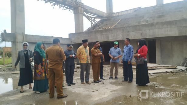 Anggota DPRD Komisi B dan C tinjau pembangunan proyek bermasalah di Payakumbuh