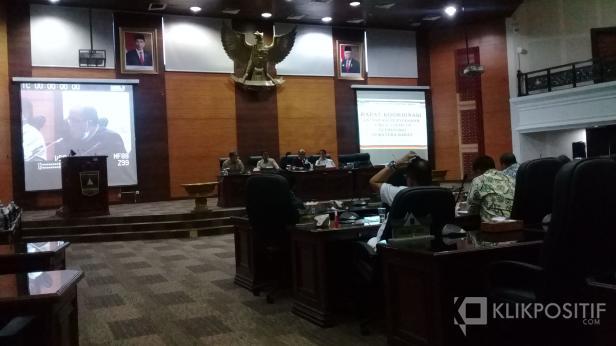 Dewan Perwakilan Rakyat Daerah (DPRD) Provinsi Sumatera Barat mendukung sepenuhnya langkah - langkah yang diambil oleh Gugus Tugas Percepatan Penanganan Virus Corona (Covid-19) provinsi.
