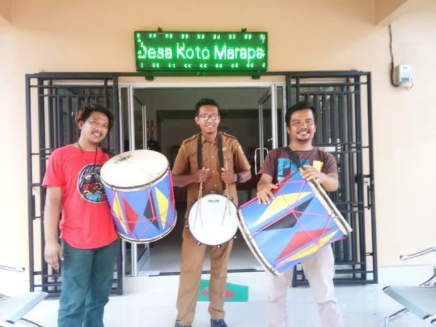 Ketua dan Wakil Ketua Batajau Seni Piaman dengan Perangkat Nagari Koto Marapak