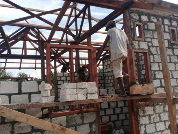 Didatangi Satgas TMMD, Warga Kampung Dorba Sigap Bantu Segala Pengerjaan