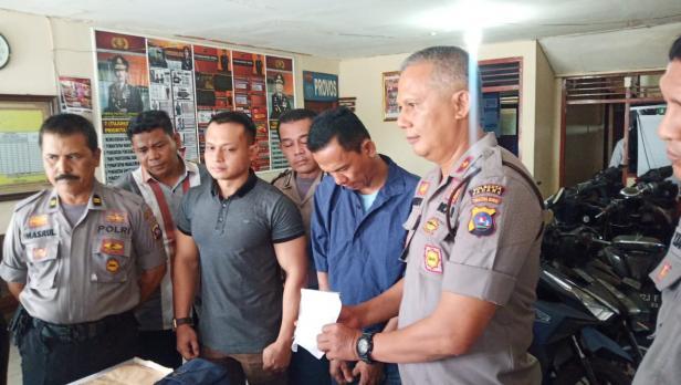 Press Release Penangkapan di Mapolsek Pauh
