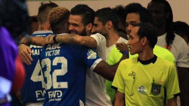 Kapten Borneo FC, Diego Michiels