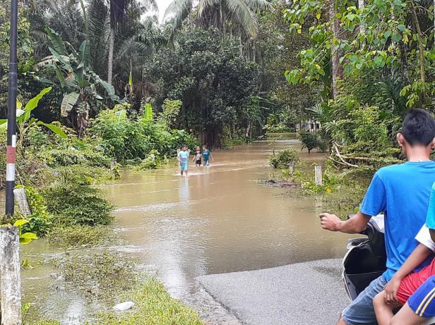 Banjir merendam akses di dua nagari di Batangkapas-Pesse