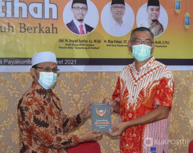 Dihadiri Wali Kota Payakumbuh, Irsyad Syafar Luncurkan Buku Sambut Ramadan