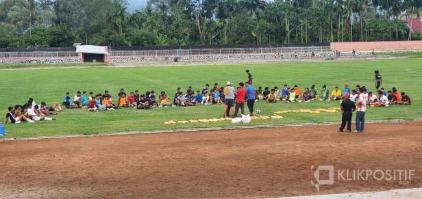 Ratusan Pemain dari Sumbar Riau ikuti seleksi Tim Gasliko di Stadion Singa Harau, Kabupaten Lima Puluh Kota
