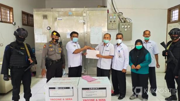 Dijaga Ketat, 2.520 Vaksin COVID-19 jenis Sinovac dampai di Lima Puluh Kota