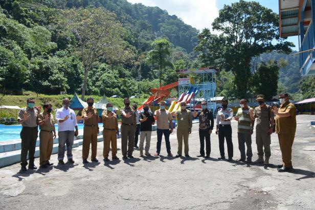 Disparpora bersama pihak terkait meninjau penerapan protokol COVID-19 di Objek Wisata Mega Mendung