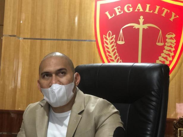 Penasehat Hukum Bupati Solok Epyardi Asda, Suharizal