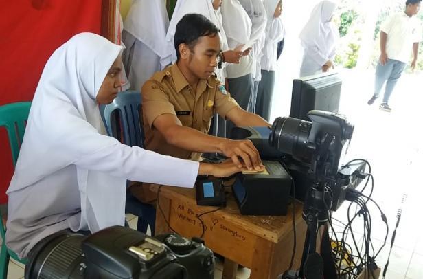 Suasana Perekaman KTP yang dilaksanakan di Lembaga Pendidikan