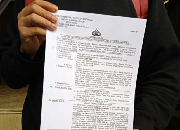 Pelaporan terhadap Dodi Hendra oleh Pelapor di Mapolres Solok Arosuka
