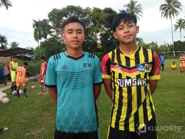 Dua pemain SSB Gasliko Gala Pagamo dan Lugas Satrya Pratama yang akan mengikuti seleksi tingkat nasional