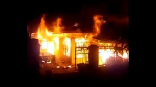 Api menghanguskan dua rumah di Lintau Buo Utara, Tanah Datar