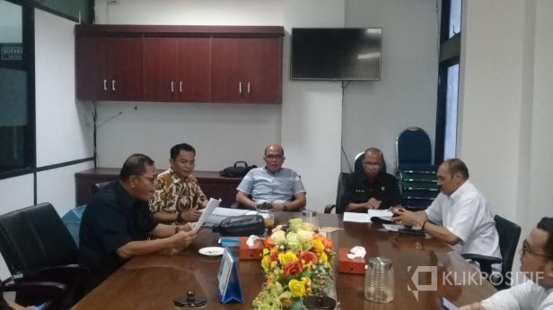 Fraksi Golkar ajukan usulan hak interpelasi ke pimpinan DPRD Sumbar, Selasa sore, 21 Januari 2020