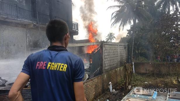 Kebakaran rumah di Payakumbuh.