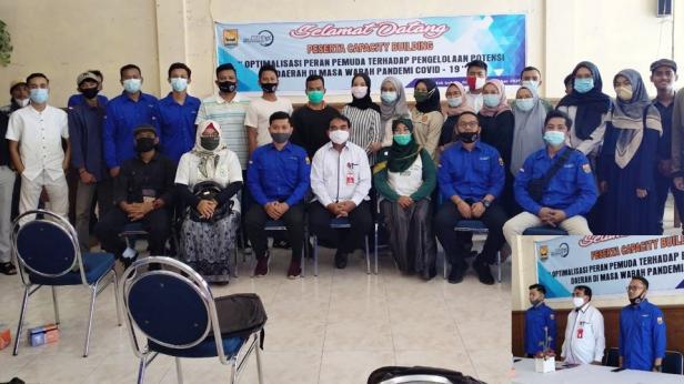 Foto bersama Forum Youth Center Kota Pariaman usai kegiatan Capacity Building