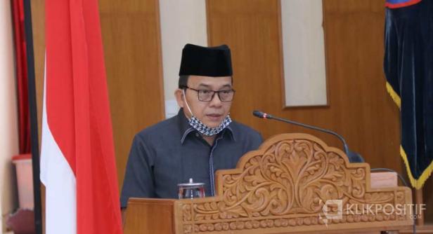 Juru Bicara fraksi Demokrat Fahlevi Mazni Dt. Bandaro Nan Balidah