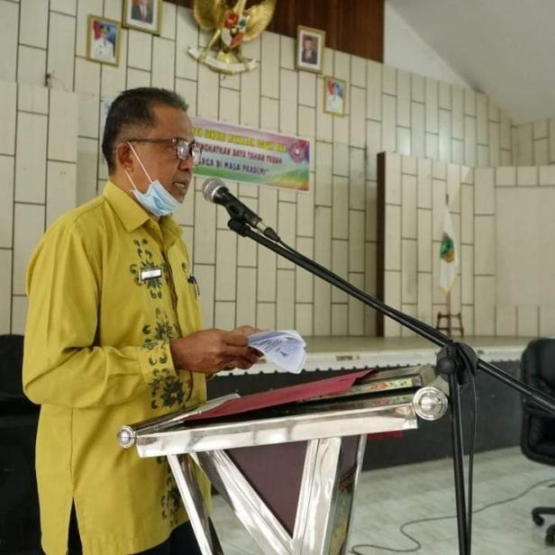 Pj Setda Solsel Fidel Effendi memberikan sambutan dalam kegiatan lomba jajanan pasar yang dilaksanakan GOW