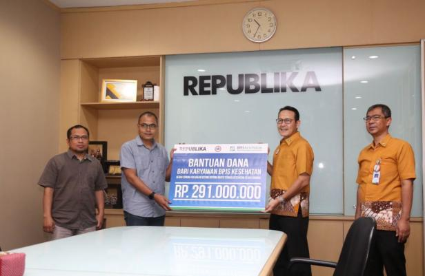 BPJS Kesehatan, Ikatan Dokter Indonesia (IDI) dan Republika membuka penggalangan dana untuk membantu kebutuhan Alat Pelindung Diri (APD) bagi tenaga medis.