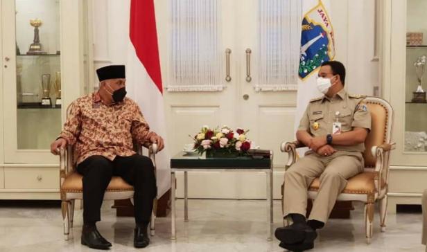 Gubernur Sumbar Mahyeldi Ansharullah saat berkunjung kantor Gubernur DKI Jakarta Anis Baswedan
