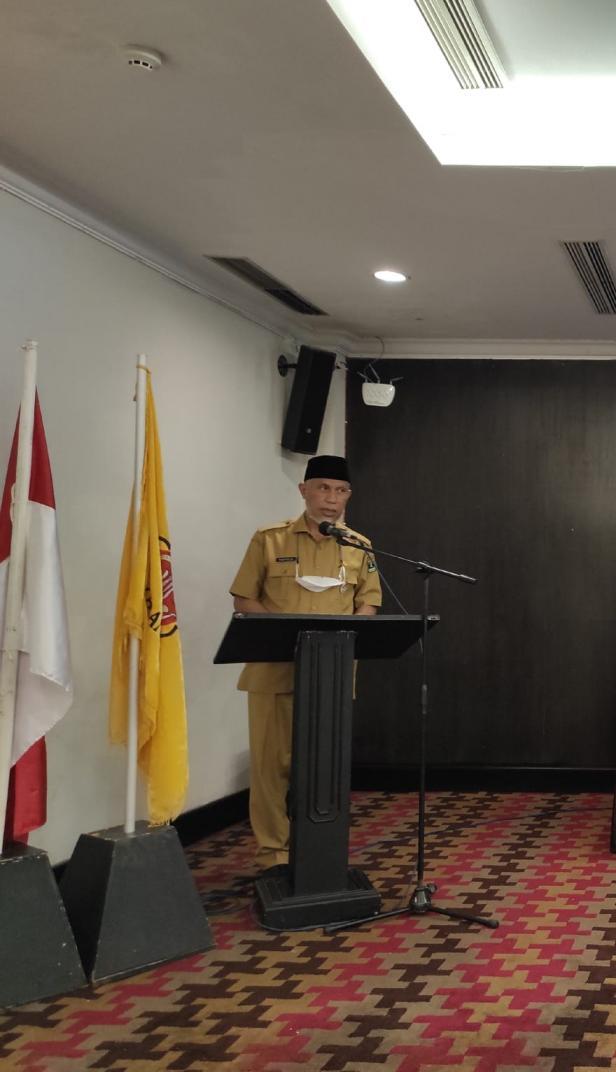 Gubernur Sumbar Mahyeldi Ansharullah saat membuka Rakor Karang Taruna Sumbar