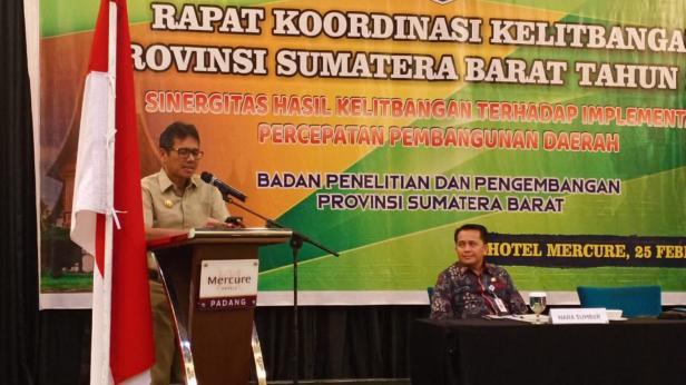 Gubernur Sumbar Irwan Prayitno saat Rapat Koordinasi Kelitbangan Provinsi Sumatera Barat Tahun 2020