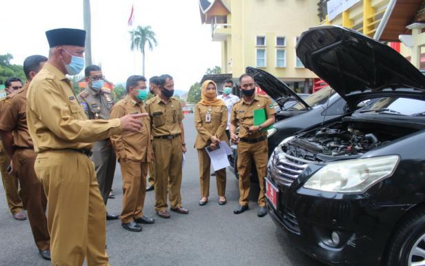 Gubernur Sumbar Mahyeldi Ansharullah saat cek keberadaan dinas