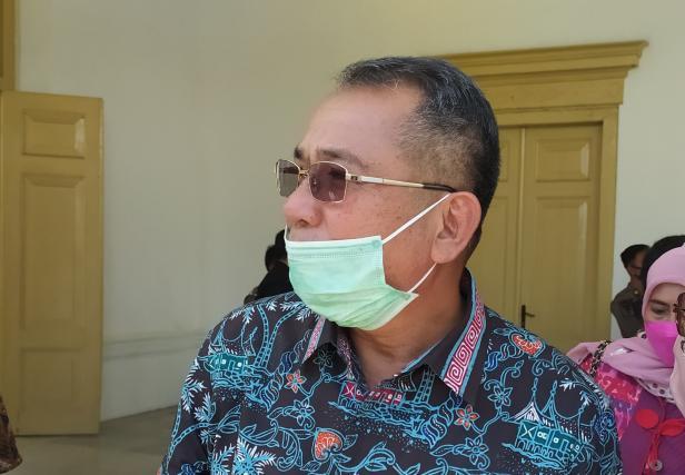 Plh Gubernur Sumbar Drs. Alwis