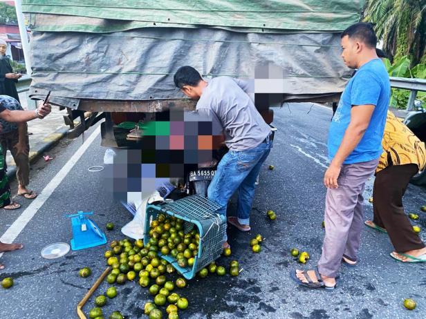 Kondisi saat terjadi lakalantas di Jembatan Batang Haluan