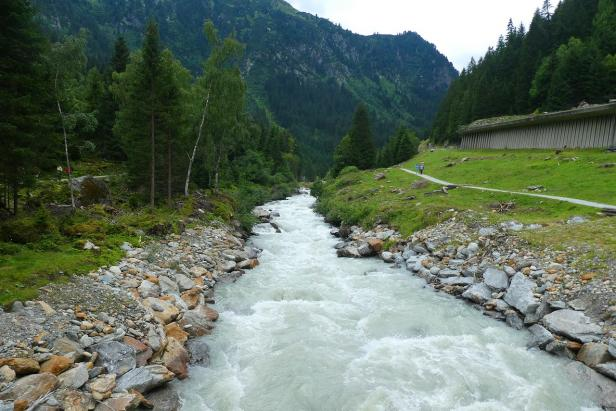 Ilustrasi Sungai