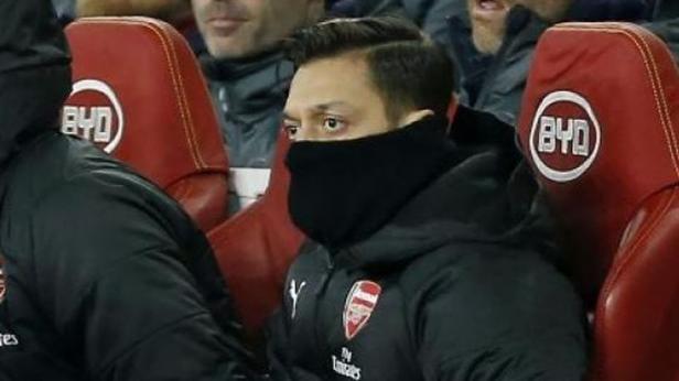Pemain anyar Fenerbahce Mesut Ozil