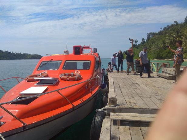 Kapal evakuasi bencana di daerah perairan di Sumbar